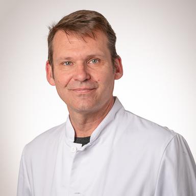 Dr C. Jayet.