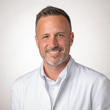 Dr Damien Robyr