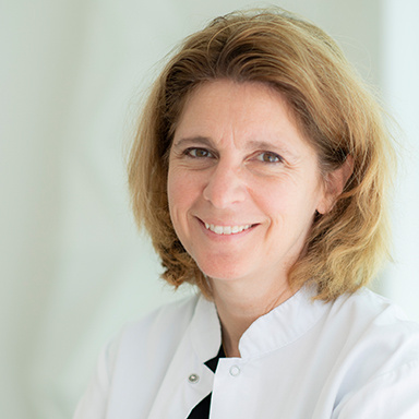Dr Véronique Lambert