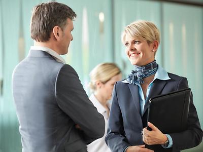 Hirslanden Privé Guest Relation Mitarbeiterin und Patient