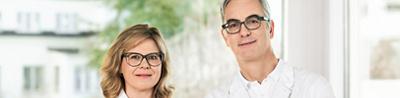 Weiblicher und männlicher Arzt